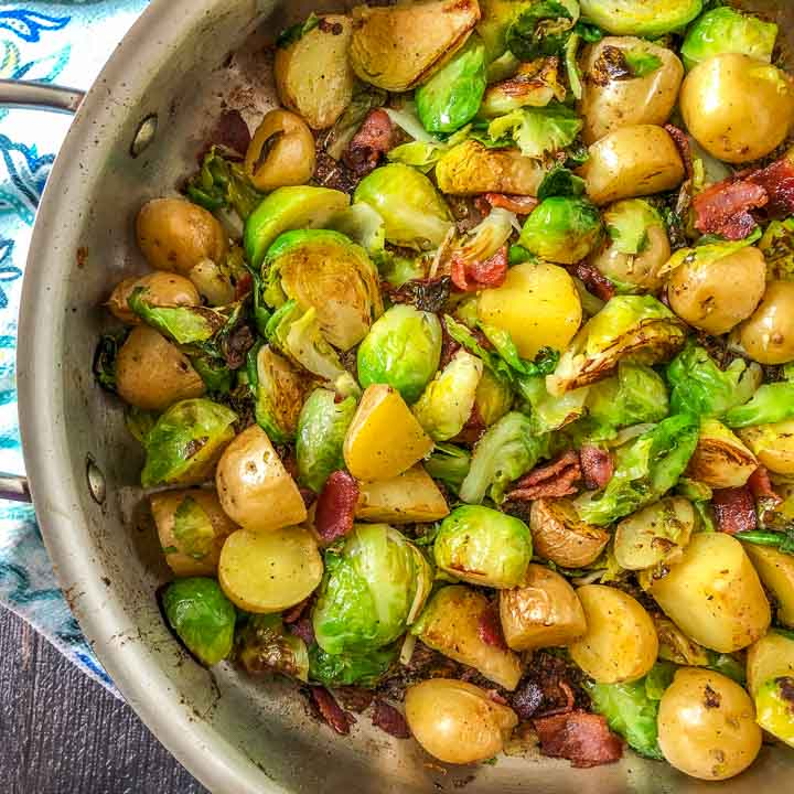 pan with bacon, Brussels sprouts & potatoes side dish