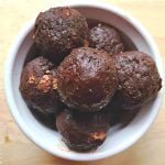 Enjoy this quick and easy recipe for 3 ingredients brownie bites. Paleo, gluten free and dairy free, a healthy and delicious snack.