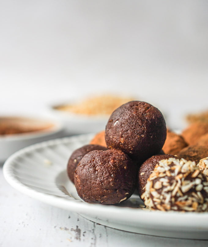 Enjoy this quick and easy recipe for 3 ingredient brownie bites. Paleo, gluten free and dairy free, a healthy and delicious snack.