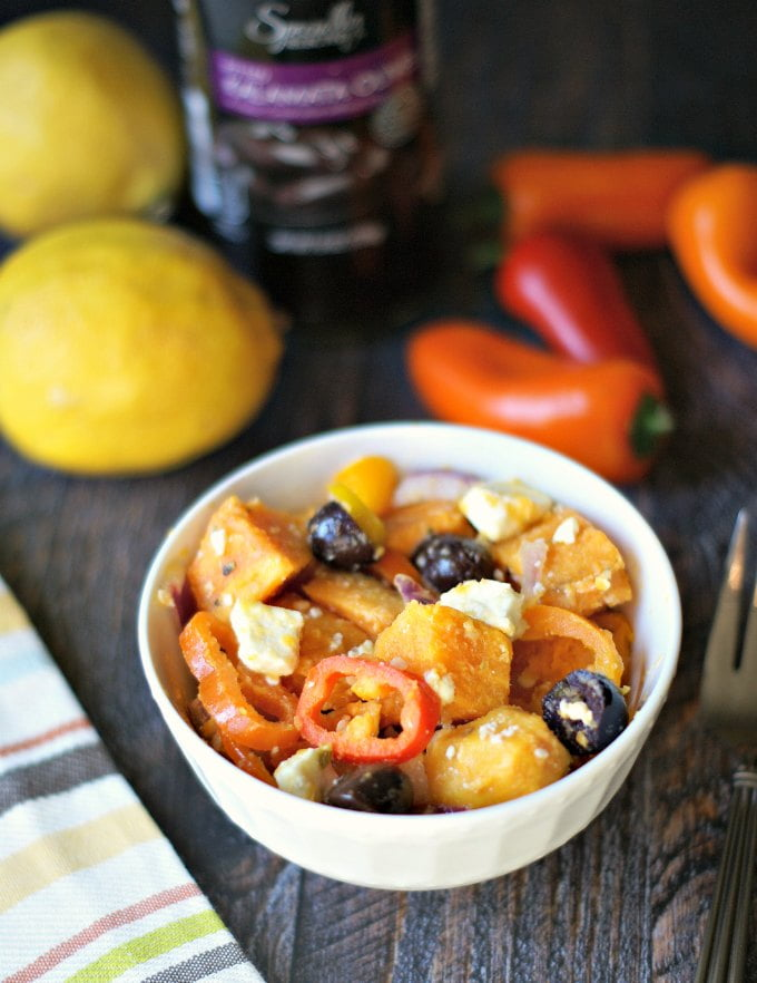 This Greek sweet potato salad has all the ingredients of a good greek salad and is very paleo friendly. Highly nutritious and delicious too!