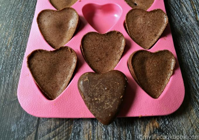 These low carb chocolate peanut butter candies use coconut oil and 3 other ingredients for a tasty low carb treat.