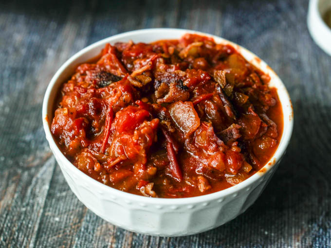 Low Carb Tomato Jam With Caramelized Onions & Bacon
