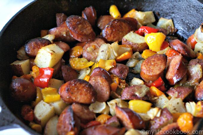 This kielbasa skillet dinner recipe with potatoes and peppers is one of my favorite and easy dinner recipes for my family.Kielbasa and potatoes taste wonderful together and make you want to eat kielbasa for dinner!