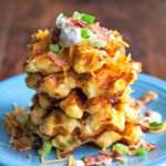 These loaded potato waffles are not only quick and easy to make, they taste delicious. A new way to eat your potatoes!