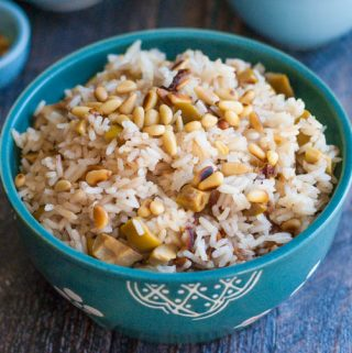 This olive & date rice is an easy and delicious side dish. Tangy green olives, sweet dates and toasted pine nuts make the perfect combination.