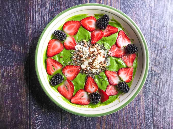 This low carb matcha smoothie bowl is the perfect dish to get you going in the morning.