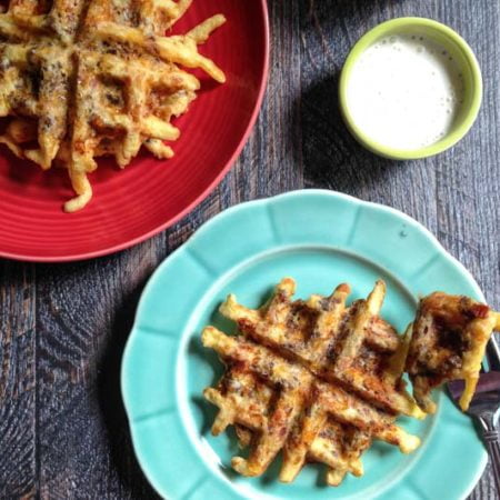 These low carb bacon cheeseburger waffles make for a fun and tasty meal. Dip in aioli, ketchup or whatever you would top your burger. Only 1.1 net carbs per waffle. #SundaySupper