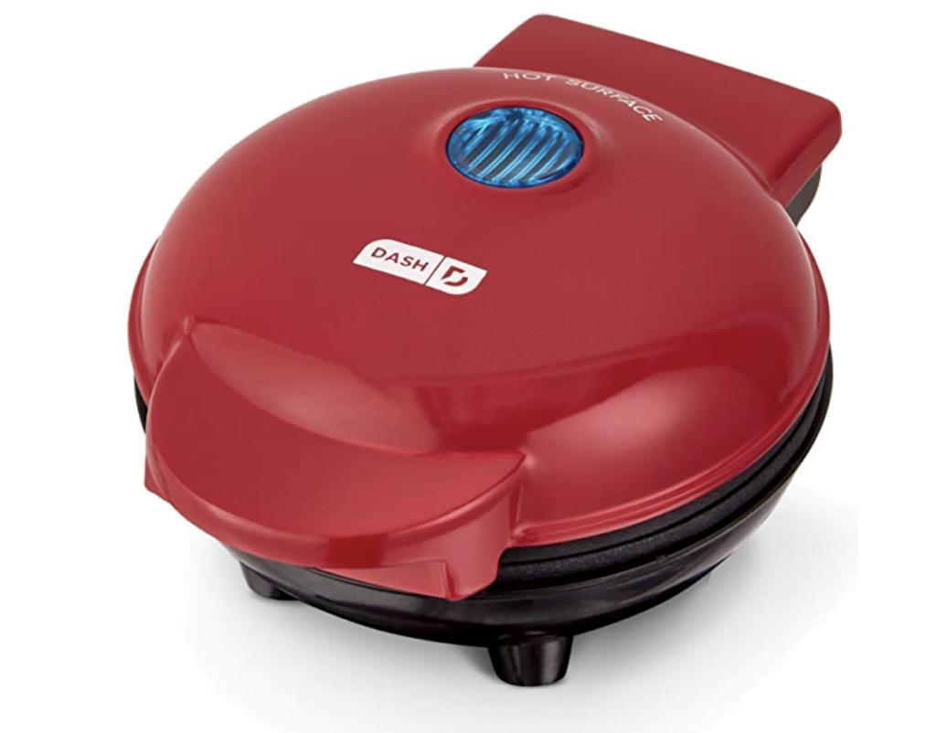 Dash mini waffle maker in red