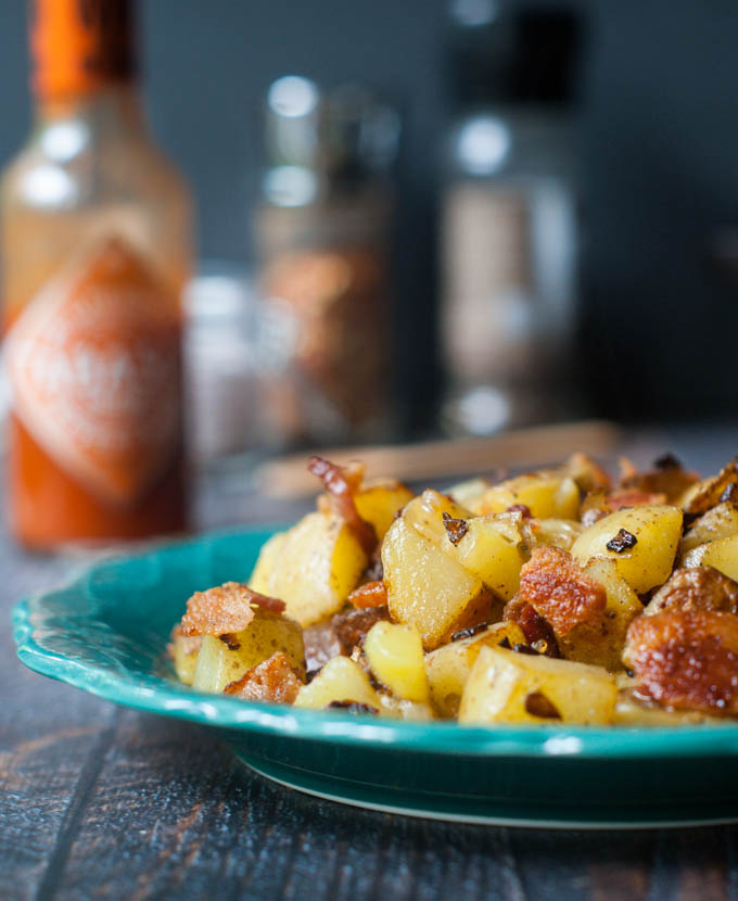 These German style fried potatoes are pure comfort food. So easy to make and sure to be a family favorite.  #SundaySupper