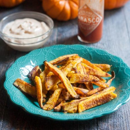 These pumpkin fries with buffalo aioli are a delicious side dish or snack.The sweetness of the pumpkin goes perfectly with the spicy, creamy aioli.