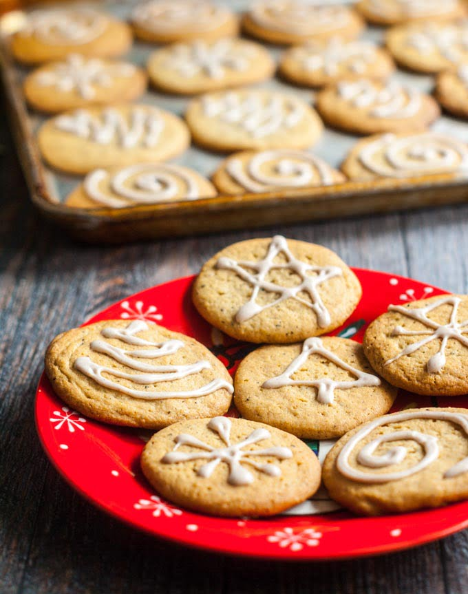 These spice tea cookies with chai icing are an easy cookie to make for your next cookie swap. Or just sample a few with your next cup of coffee or tea.