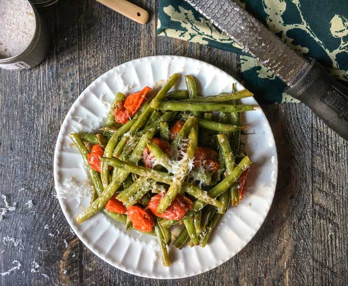 Easy italian green beans side dish these easy italian green beans are great with almost any main dish using simple ingredients forumfinder Choice Image