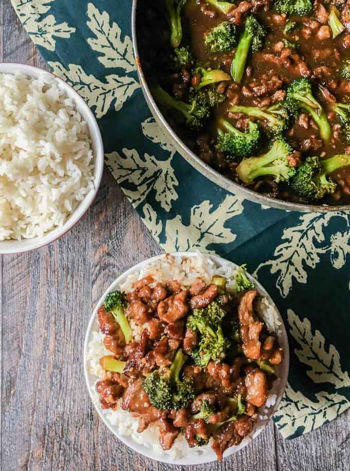 This Paleo beef & broccoli stir fry is easy, tasty and healthy. A delicious weeknight meal the whole family will love.