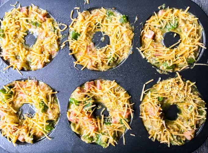 These low carb western omelet bagels are a delicious and convenience breakfast choice.
