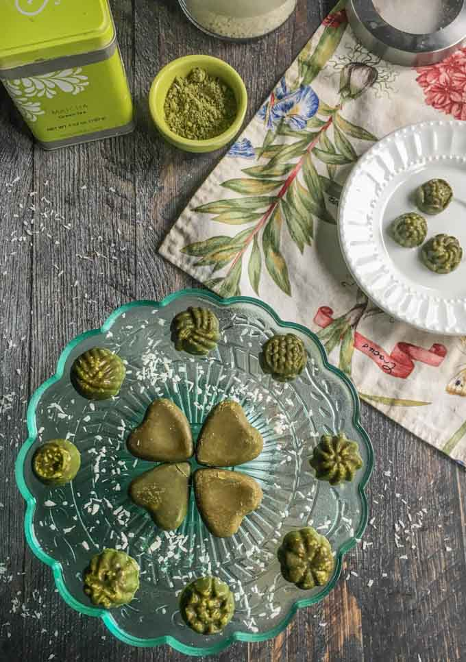 This mint matcha coconut candy is a tasty and healthy treat. Only a few ingredients to make and 0.3g net carbs for 3 candies!