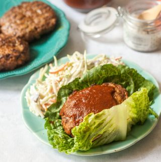 These low carb barbecue rib burgers are perfect for a summer dinner on the grill. A beef and pork burger rubbed with lots of spices and topped with a delicious low carb barbecue sauce.