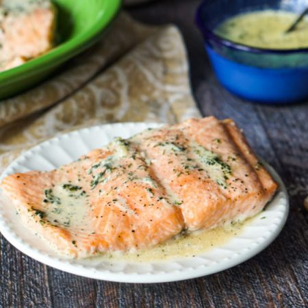This creamy lemon dill salmon recipe is a delicious low carb dinner that you can make in less than 20 minutes. Also this easy fish dinner only takes a few ingredients to make. Creamy dill sauce infused with lemon tops this melt in your mouth salmon.
