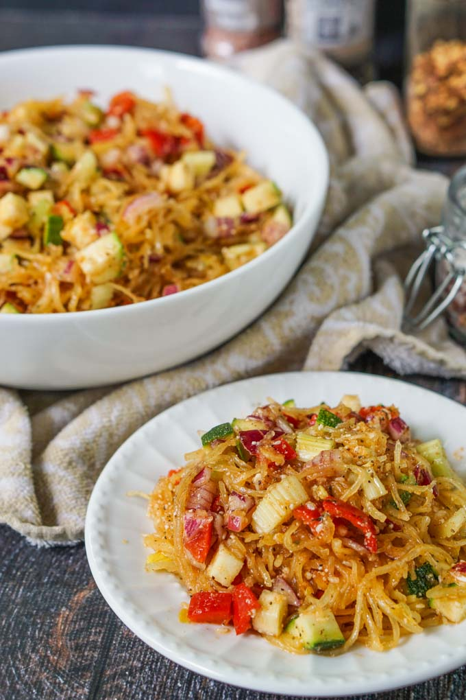 This low carb linguine salad is a versatile summer side dish that is perfect for picnics or even weeknight dinners. Add all the vegetables you want or even add a mixture of meats and cheeses. Only 5g net carbs per serving.