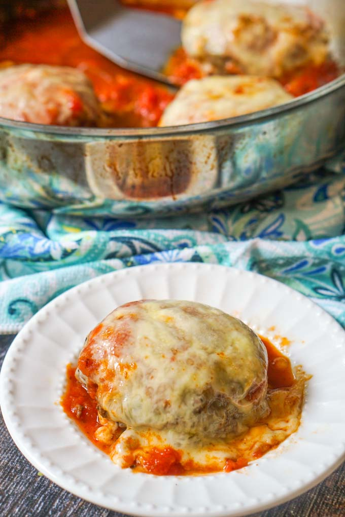 If you want an easy low carb dinner the whole family will love, try these low carb stuffed pizza burgers! Stuffed with cheese and topped with sauce and more cheese! Who wouldn't love that? Only 3.6g net carbs per burger.