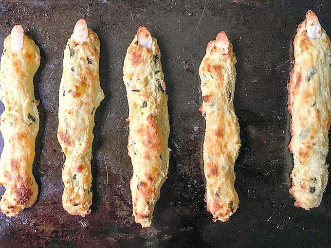 For all your Halloween fans, try these low carb witch finger breadsticks! Using a gluten free dough, herbs and spices you will have a hauntingly delicious appetizer for your next Halloween party.
