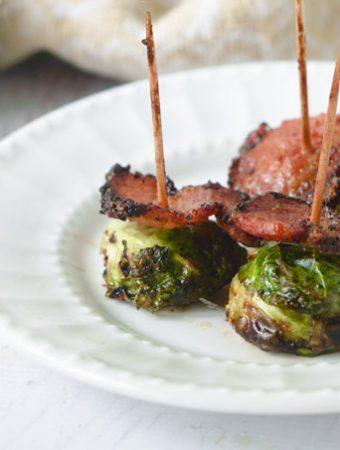 I made these balsamic bacon Brussels sprouts in just 10 minutes in the Airfryer. It's a tasty low carb appetizer or even snack using only a few ingredients. Each piece has only1.1 g net carbs!