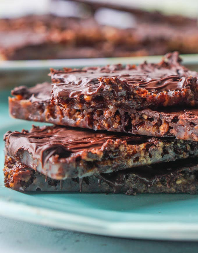 These low carb chocolate pecan toffee bars are simple to make and only require 4 ingredients! Each bar is only 4.3g net carbs!
