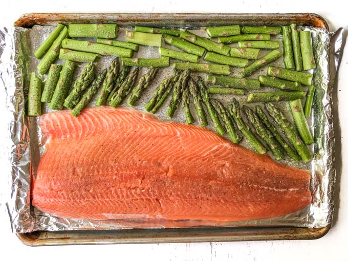 Easy Baked Salmon & Asparagus Sheet Pan Dinner (healthy, low carb)