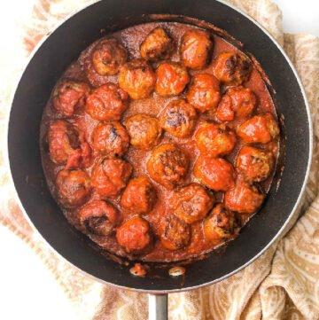 pan with turkey meatballs in tomato sauce