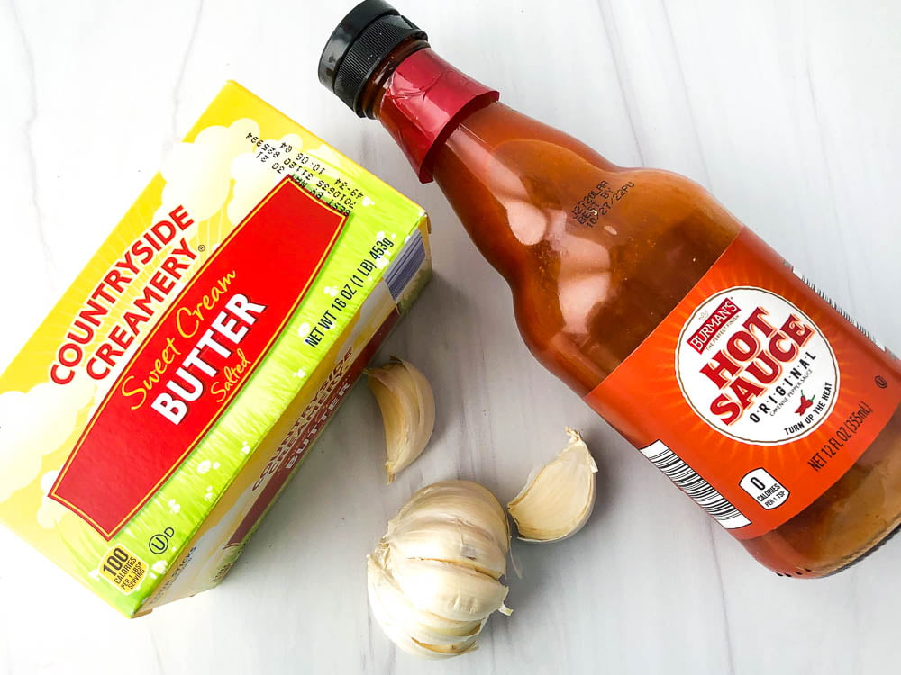 ingredients used in the sauce: Hot sauce, butter and garlic